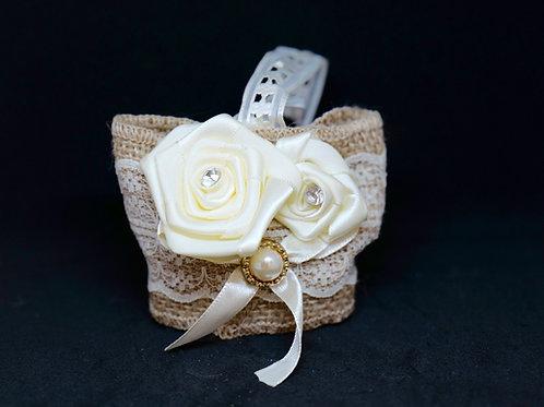תיק ראטן פרח לבן