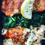 Salmon, spinach, and cauliflower mac.. #