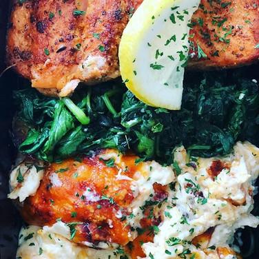 Salmon, spinach, and cauliflower mac.. #