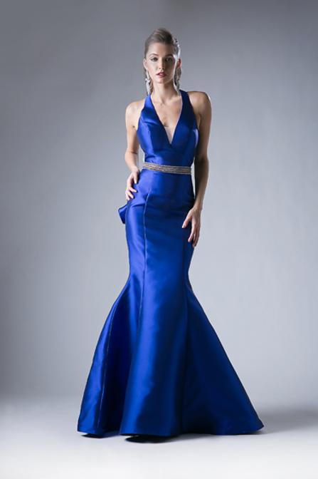 Vestido Azul Rey con cauda