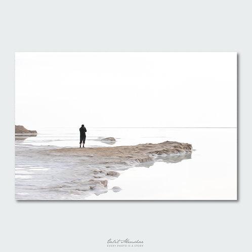 דמות על חוף הים, אפקט ציורי, תמונה למכירה