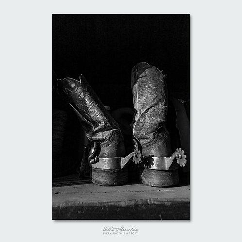 מגפי בוקרים צילום שחור לבן