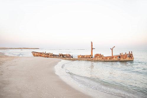 תמונת נוף - ספינה טרופה בים 6858