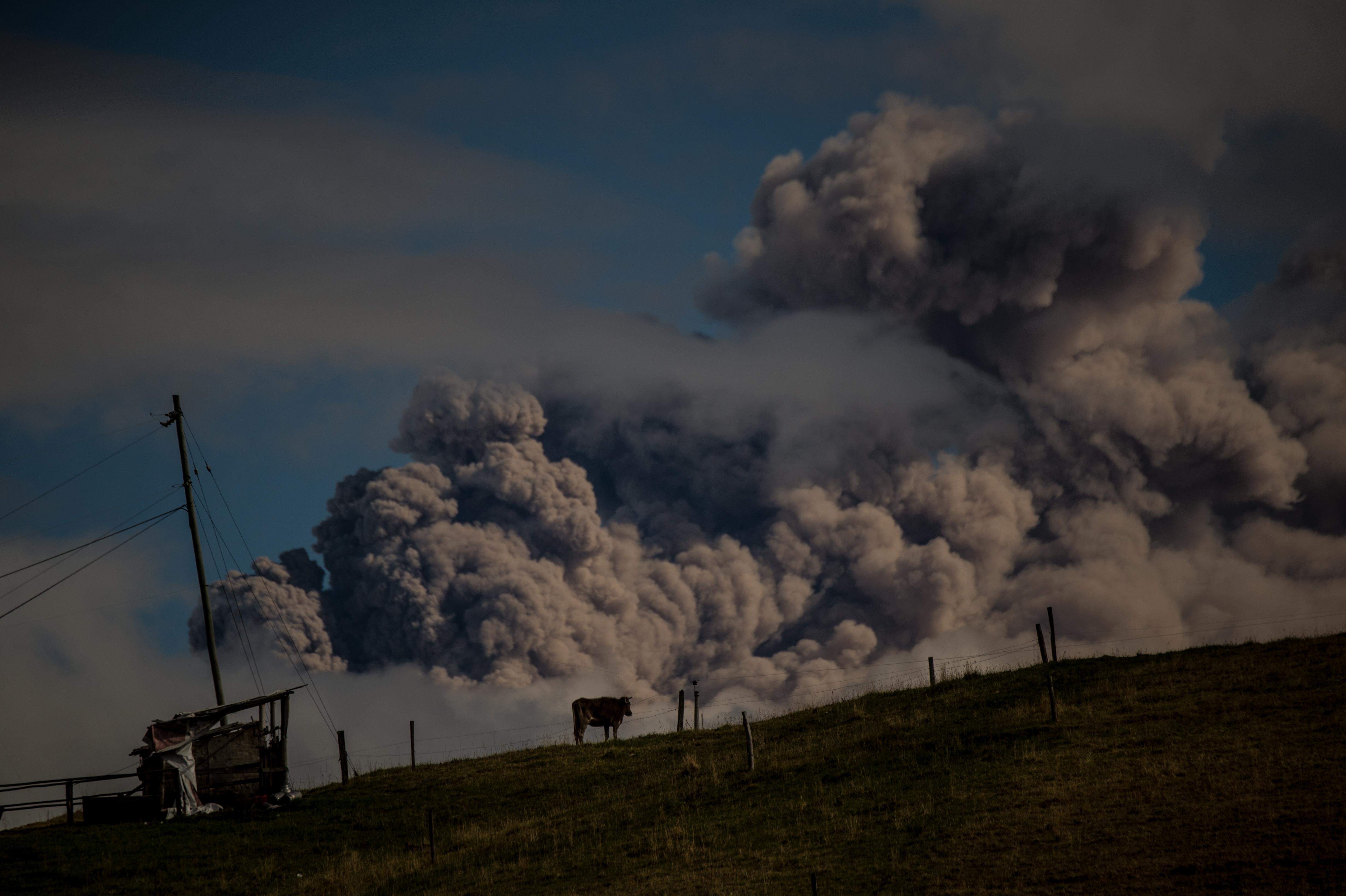 Erupcion volcan Cotopaxi, Ecuador