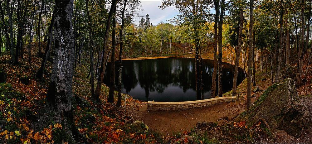 Lago di Kaali, Saaremaa. Foto: Petri Tuohimaa