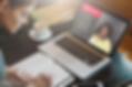 video-aula-shutterstock_579721840.png