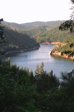 Rio Zêzere em Dornes