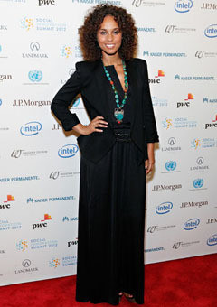 alicia-keys-social-summit-240-240x340.jp