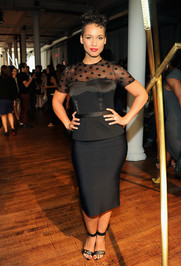 Alicia-Keys-posed-photos-Jason-Wu-Spring