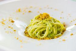spaghetti con pesto di pistacchio