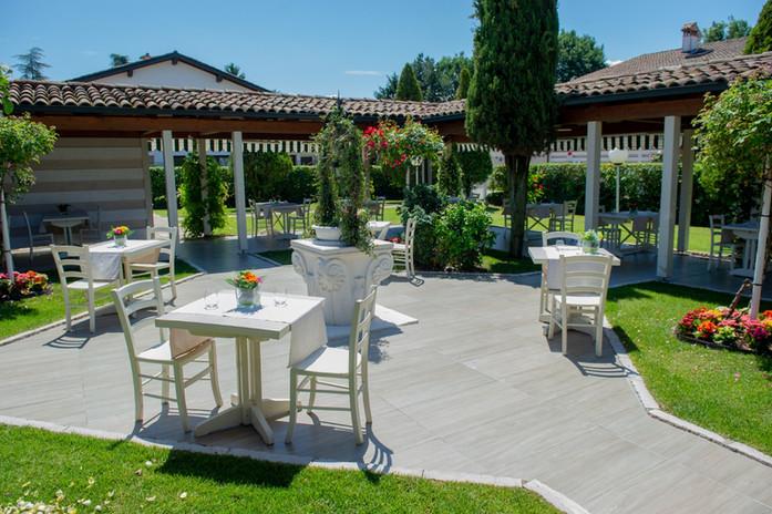 Dehors estivo ristorante Nero Balsamico