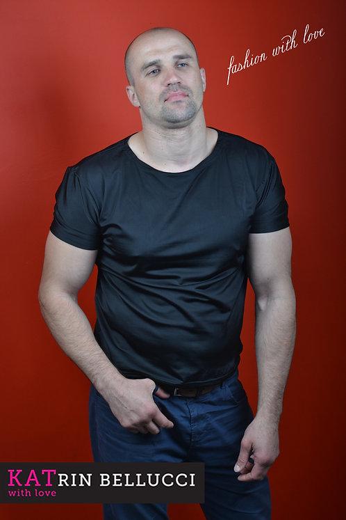 футболка черная (2500 руб.)