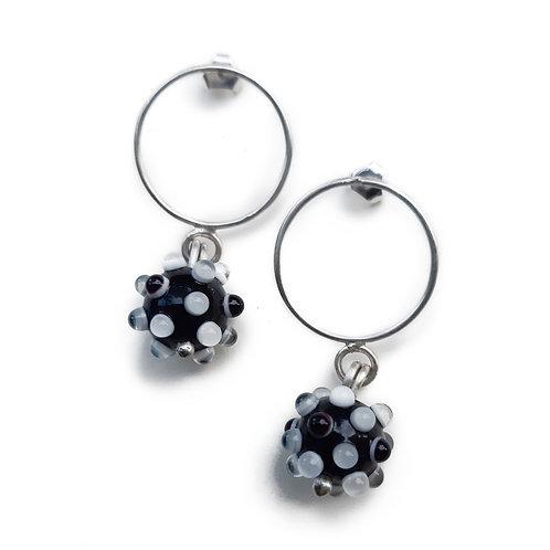 Boucles d'oreilles anneaux Virus Noir