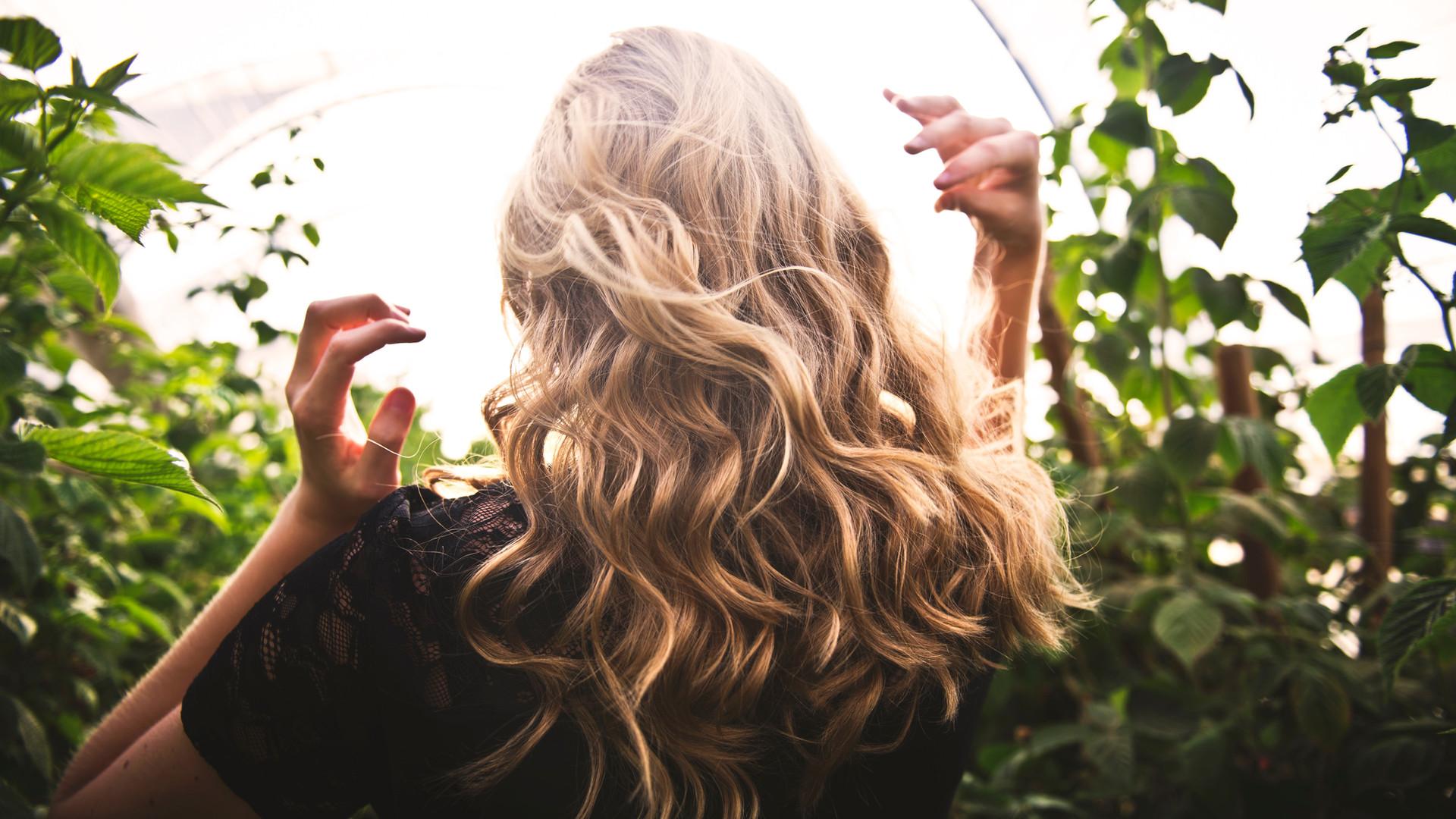 Blond Wavy Hair