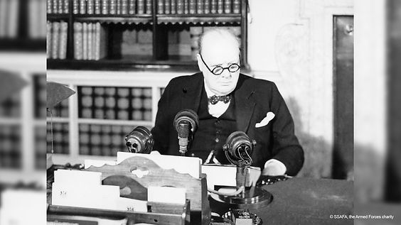 Winston_Churchill_at_a_BBC_microphone_ab