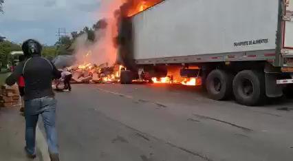 [EN VIDEO] Conductor murió calcinado en trágico accidente en Curumaní