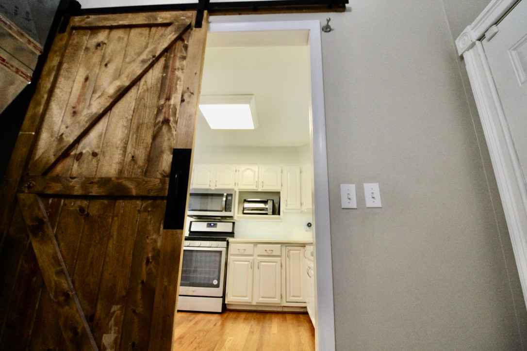 KITCHEN ENTRANCE FROM LAUNDRY ROOM.jpeg