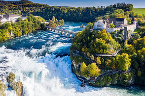 Rhine Falls or Rheinfall, Switzerland pa