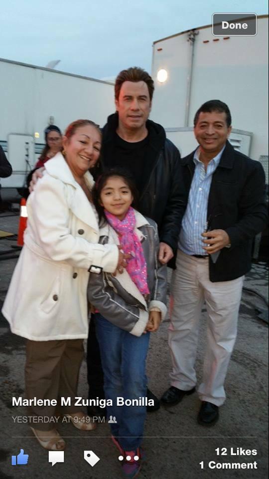 Travolta con Famila.jpg