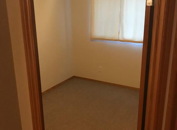 Bedroom 1 (Main Floor)