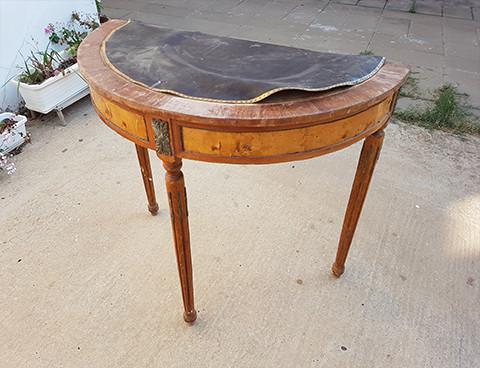 שולחן לואי