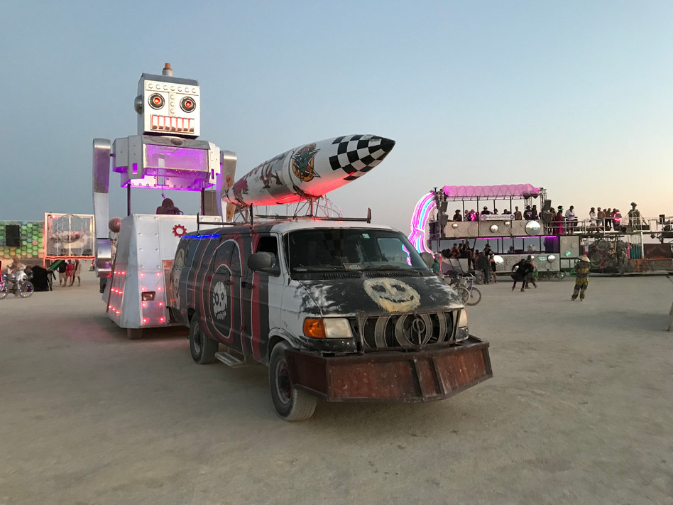 robot and tow rig.JPG
