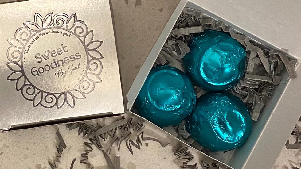 3  TRUFFLES IN A MAXI BOX