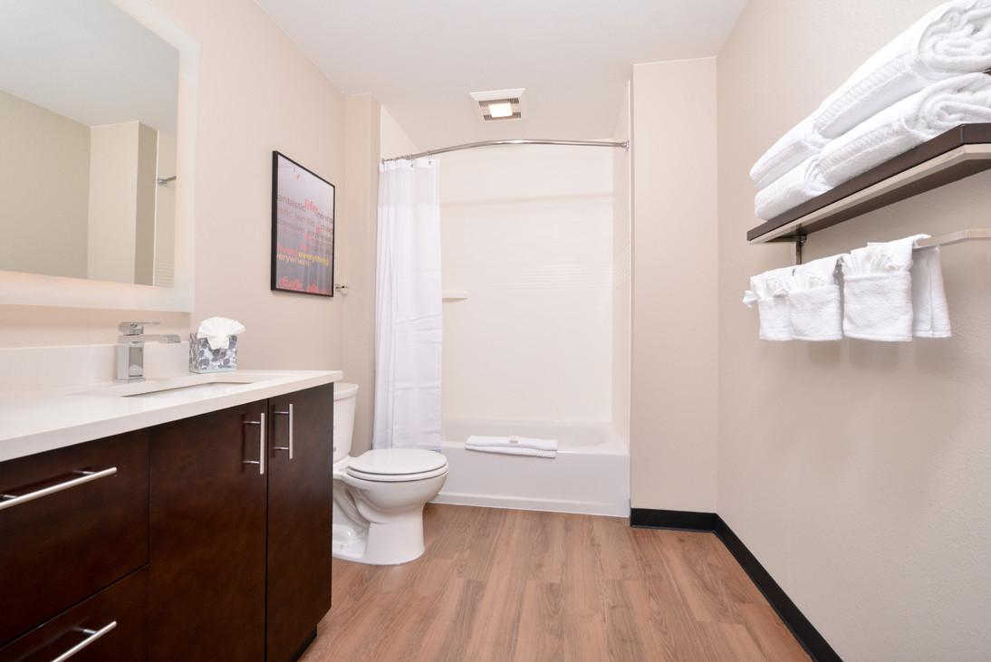 TPS_ONTCH_Bathroom3.jpg