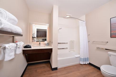 TPS_ONTCH_Bathroom1.jpg