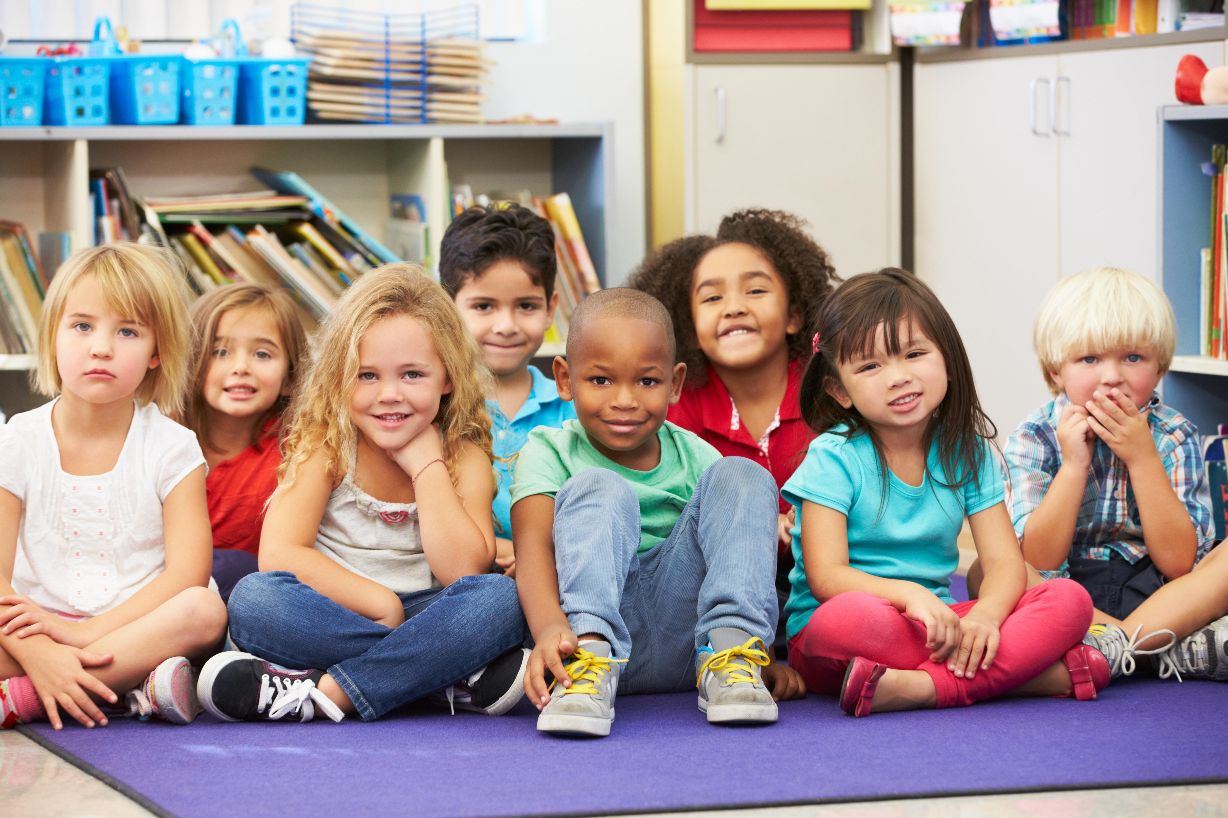 """""""Peeking Into Learning"""" Kids"""
