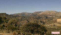 el paisaje suave pero lleno de ondulaciones montañosas, Priego de Córdoba