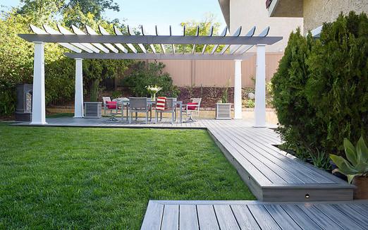 transcend-decking-lighting-furniture-per