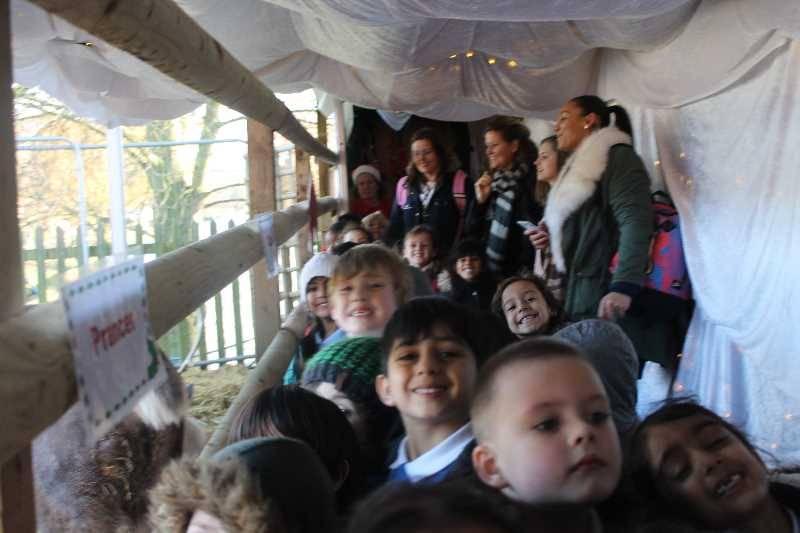 1 Vale's Trip to Hatton's Christmas Kingdom  (104)