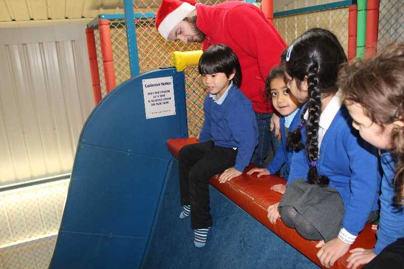 1 Vale's Trip to Hatton's Christmas Kingdom  (72)
