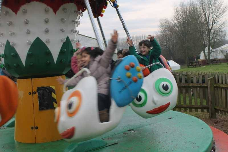 1 Vale's Trip to Hatton's Christmas Kingdom  (98)