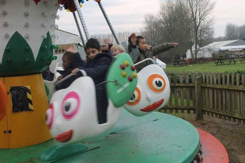 1 Vale's Trip to Hatton's Christmas Kingdom  (85)