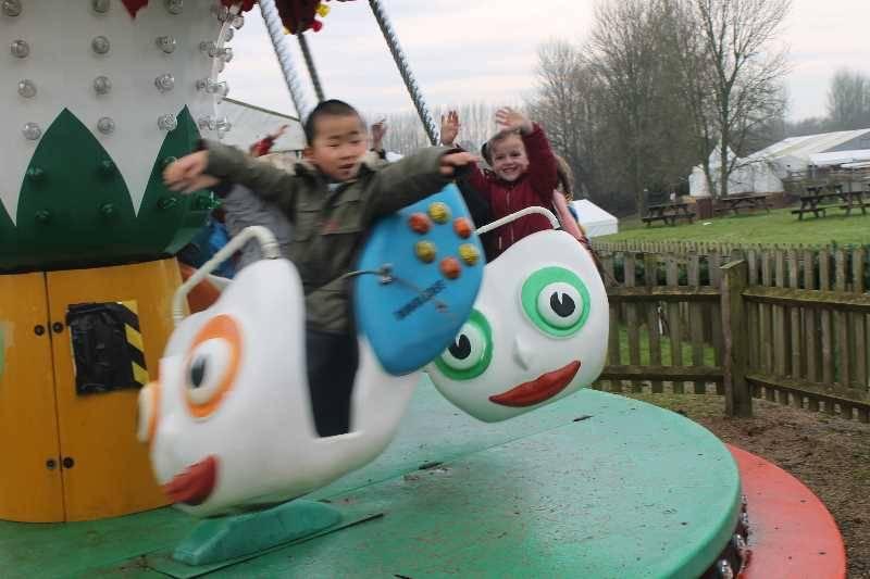 1 Vale's Trip to Hatton's Christmas Kingdom  (86)