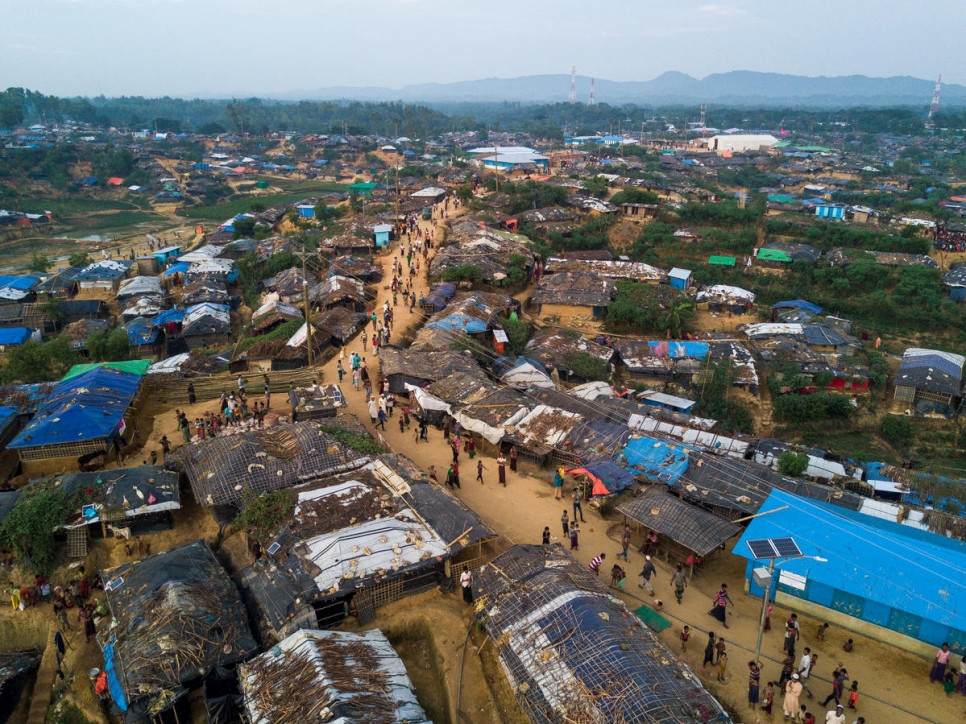 Kutupalong extension site in Cox's Bazar, south-east Bangladesh.  © UNHCR/Roger Arnold
