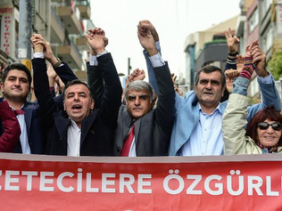 Istanbul trial ends with jail sentences for 25 Turkish journalists