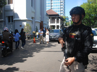 Islamic State group claims deadly Indonesia church attacks