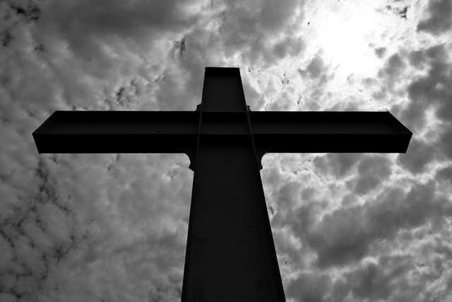 Cross of the Martyrs. Credit: Aaron Groote via Flickr (CC BY-NC-SA 2.0).