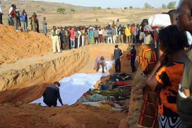Mass Grave of 800 Christians allegedly killed by Fulani herdsmen in December 2016 (Photo Credit: SpectaScope Nigeria)