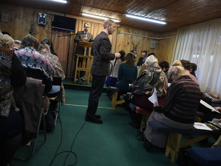 Russia Bans Jehovah's Witnesses, Calling It an Extremist Group