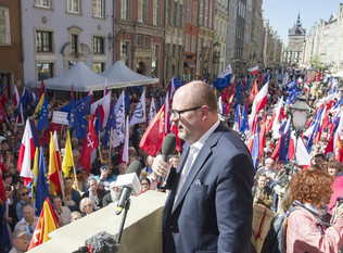 Holocaust survivor warns Polish leaders over Nazi groups