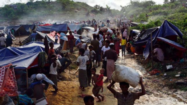 Rohingya refugees are seen at Thaingkhali makeshift refugee camp in Cox's Bazar, September 14, 2017. Photo: Reuters/Danish Siddiqui