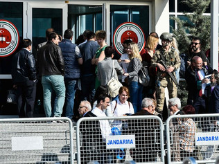 Turkish Court Convicts 13 From Cumhuriyet Newspaper on Terrorism Charges