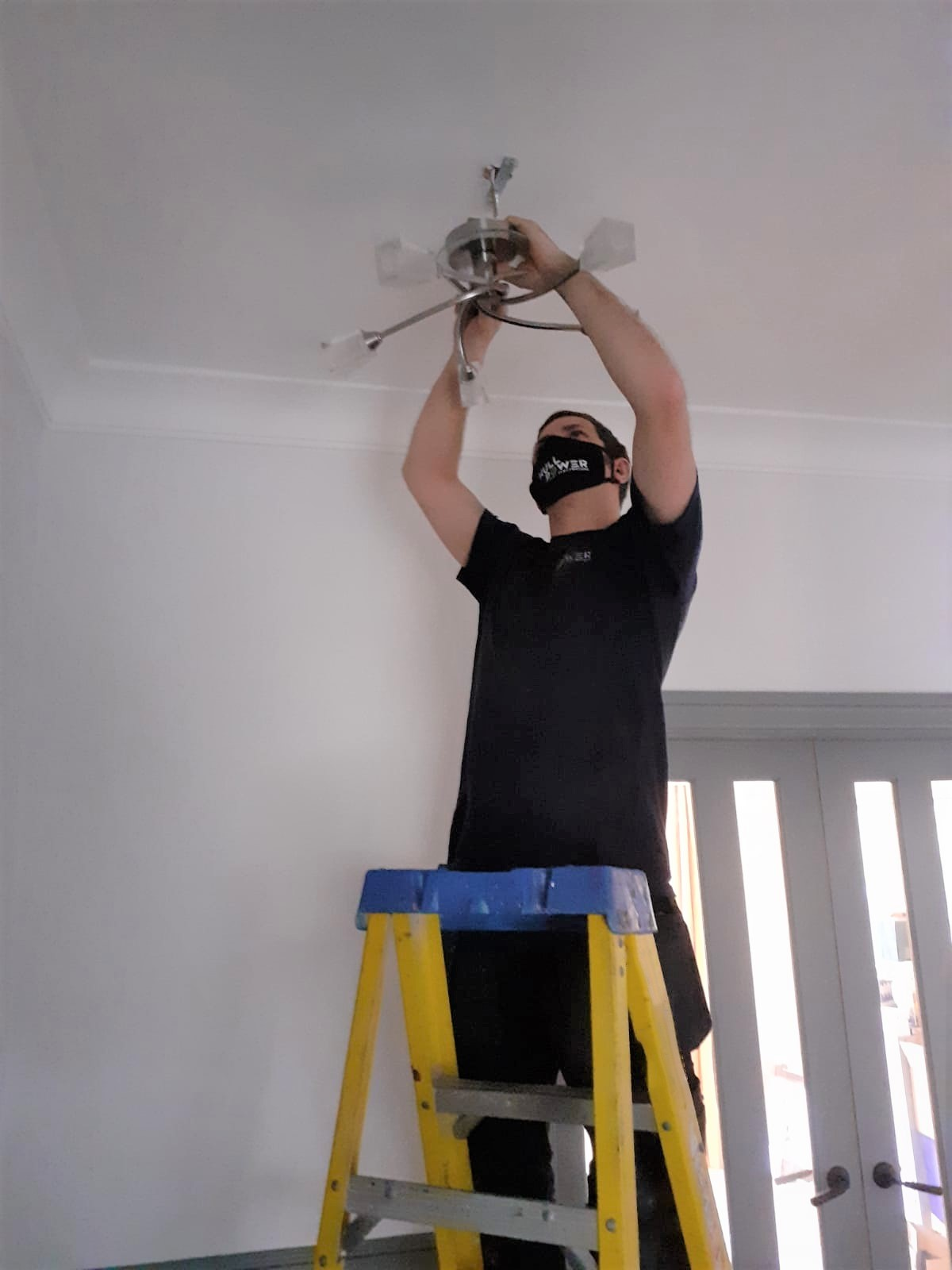 Hull Electrician, Light Change