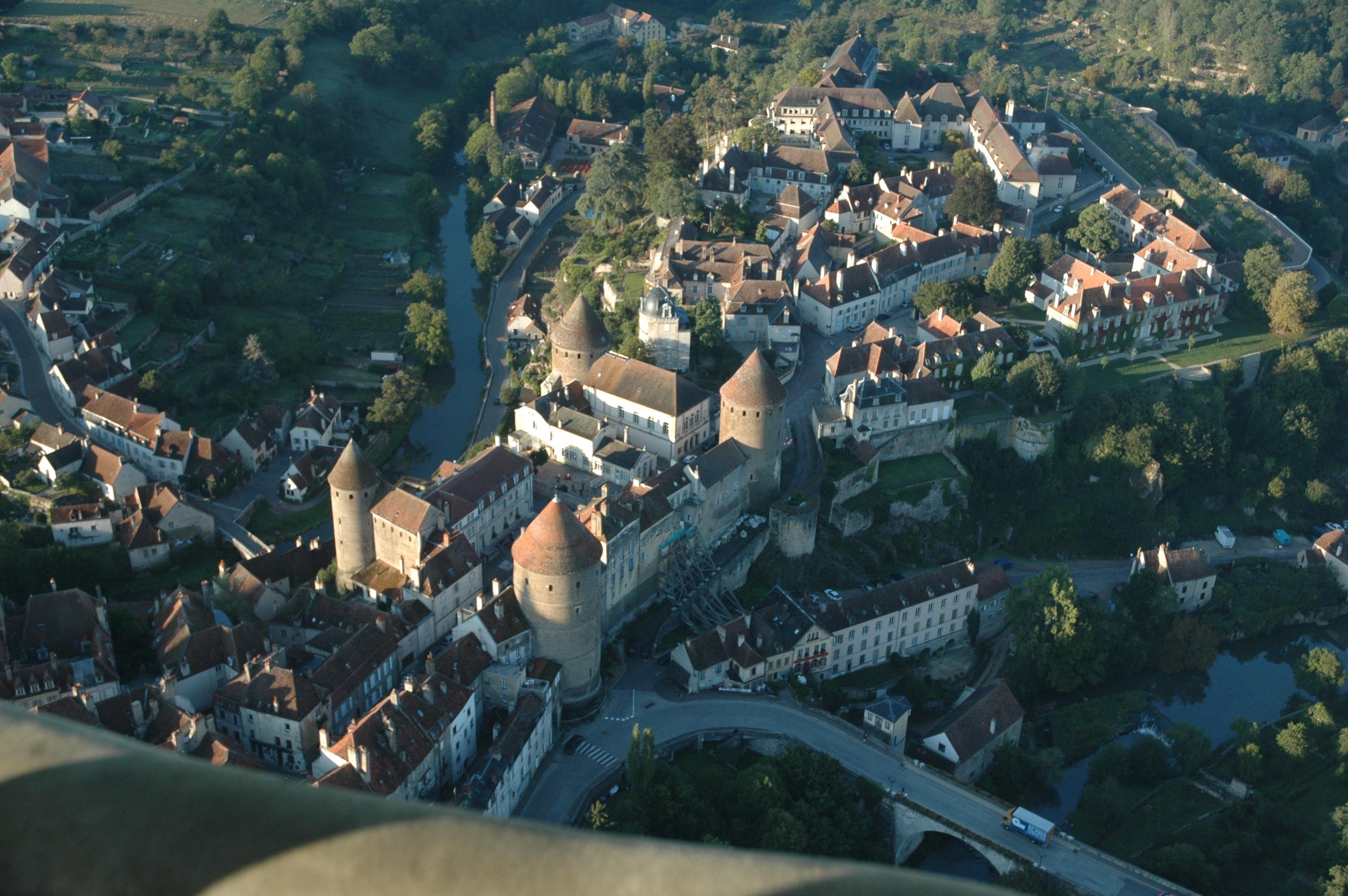 le donjon ducal et ses quatre tours