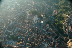 le bourg et la collégiale Notre-Dame