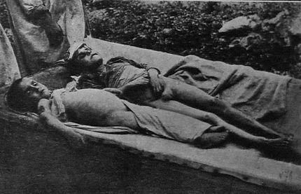 Children, victims of a pogro in Velizh, Vitebsk